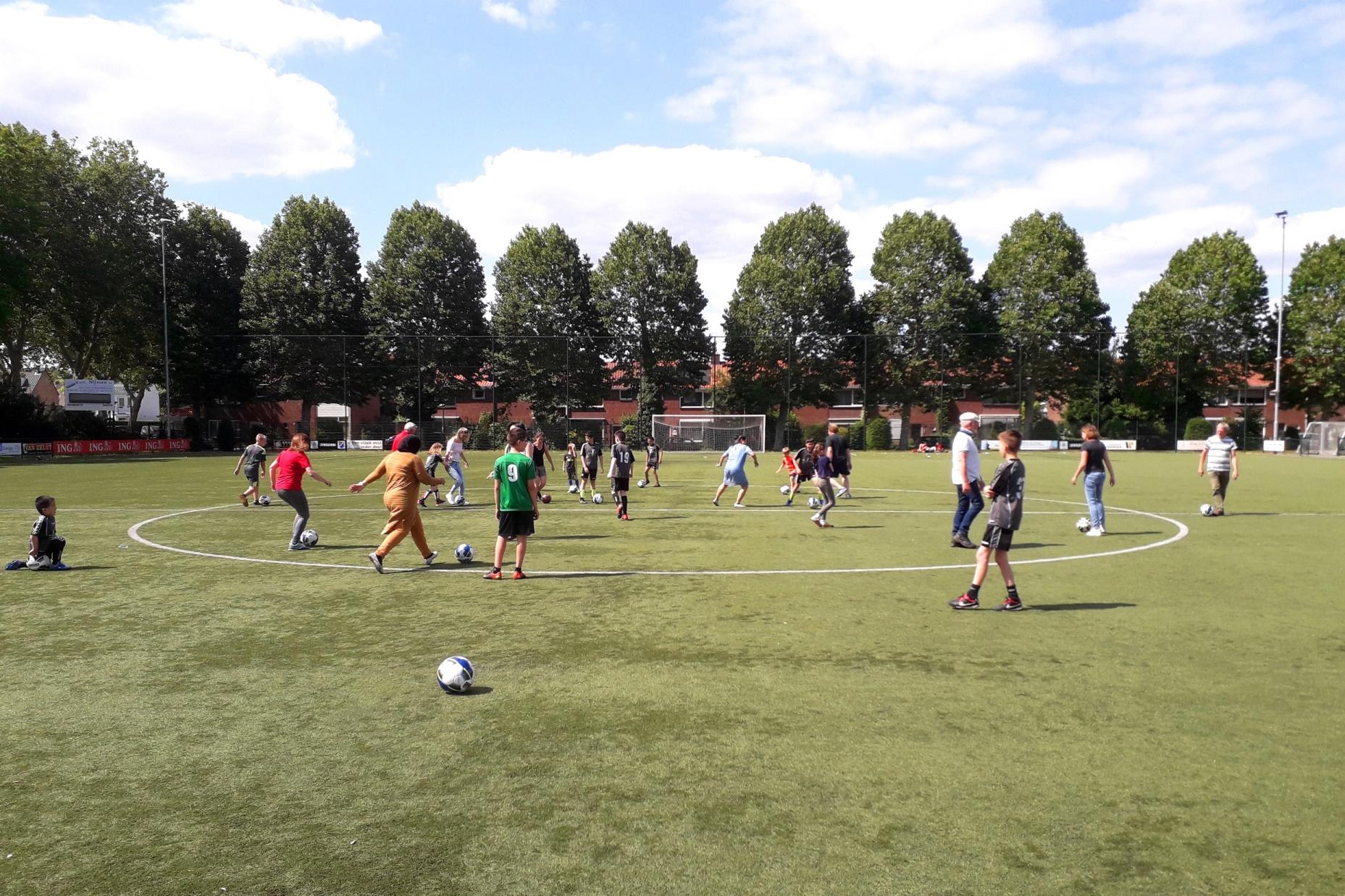 Voetbalcircuit voor kinderen uit het speciaal onderwijs